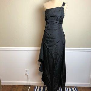 LAUNDRY side ruffle one shoulder taffeta gown